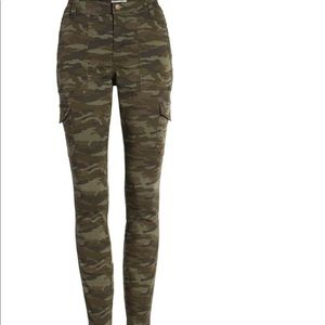 Camo Skinny Utility Pants Pockets